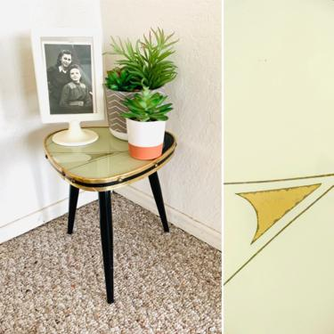 50s Atomic Formica Side Table by dadacat