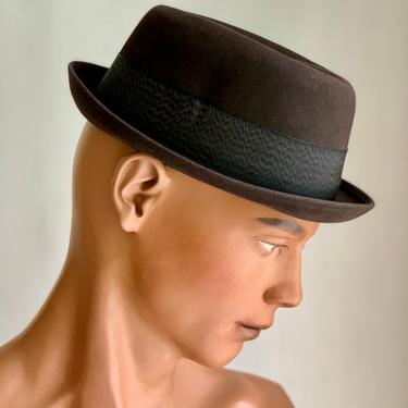 Vintage 1950'S-60'S PORKPIE Fedora - Quality Wool Felt - by RESISTOL - Low Stack - Stingy Brim - Men's Size 7-1/8 - NOS by GabrielasVintage