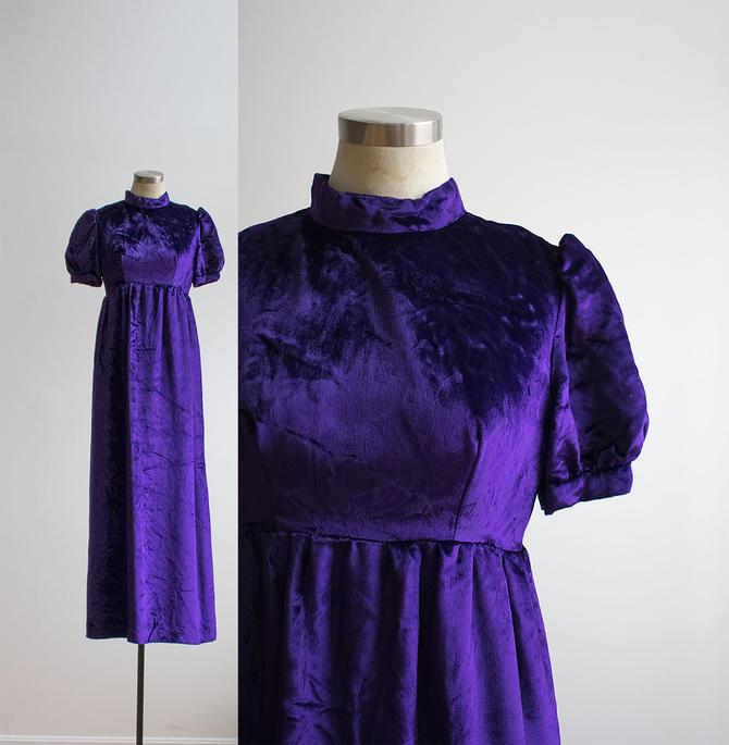Vintage 1970s Maxi Dress / Purple Velvet Dress / 1970s Does the Renaissance / Gothic Vintage Dress / 1970s Purple Gown / 70s Gown by milkandice
