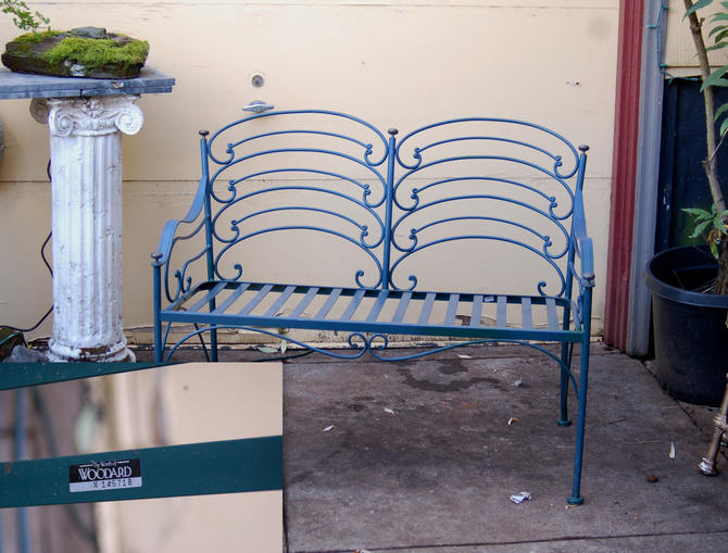 Unusual Labeled Woodard, Bluegreen Patio Garden Flowing Sculptural Loveseat Bench ~ The Worth of Woodard 1E 145718 ~ Very Good Condition by YesterdayAndTomorrow