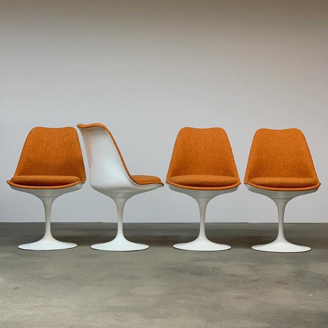 Vintage Set (4) Saarinen Tulip Chairs by Knoll by midcenTree