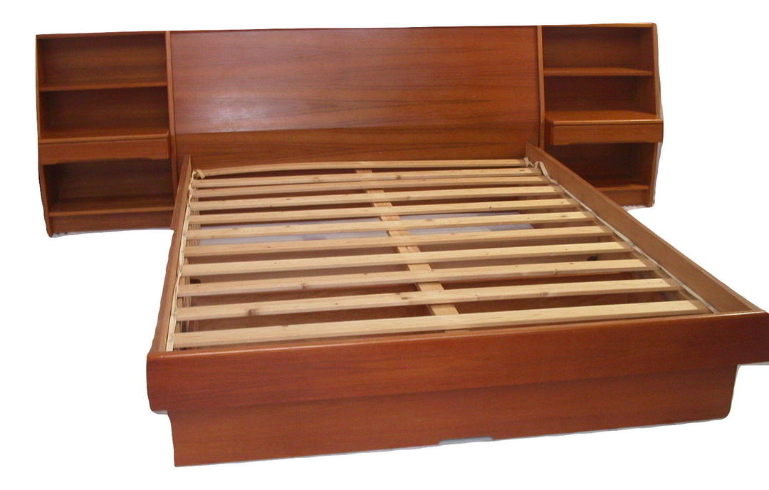 Danish Modern Teak Queen Platform Bed Nightstands