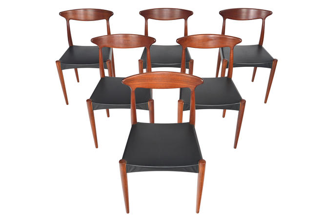 Set of Six Danish Mid Century Modern MK 310 Dining Chairs in Teak by Arne Hovmand Olsen by MidCenturyMobler