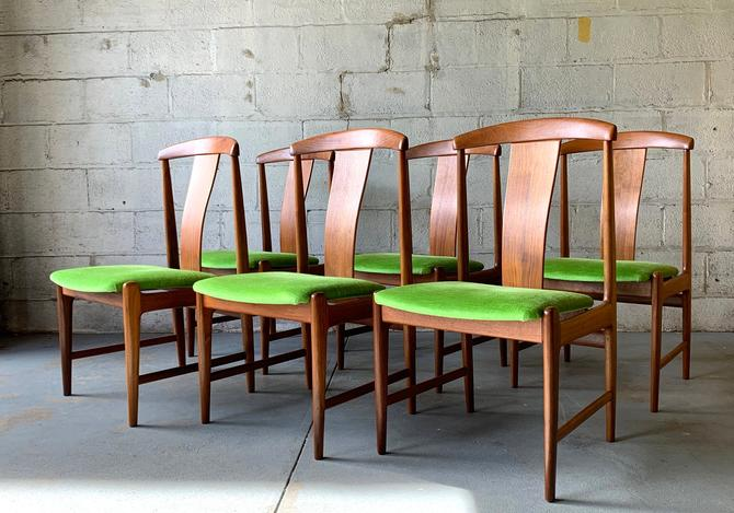 Mid Century MODERN Teak Dining Chairs by Folke OHLSSON for DUX, Set/6 by CIRCA60