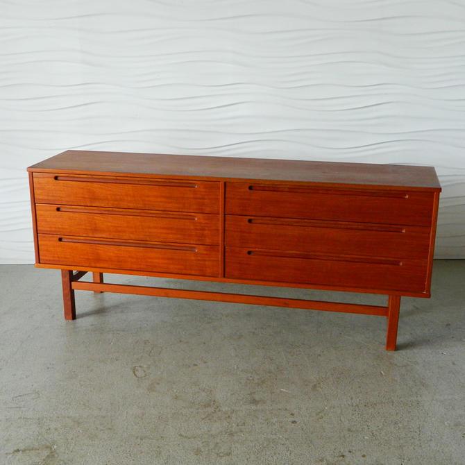 HA-18115 Teak Torring Dresser