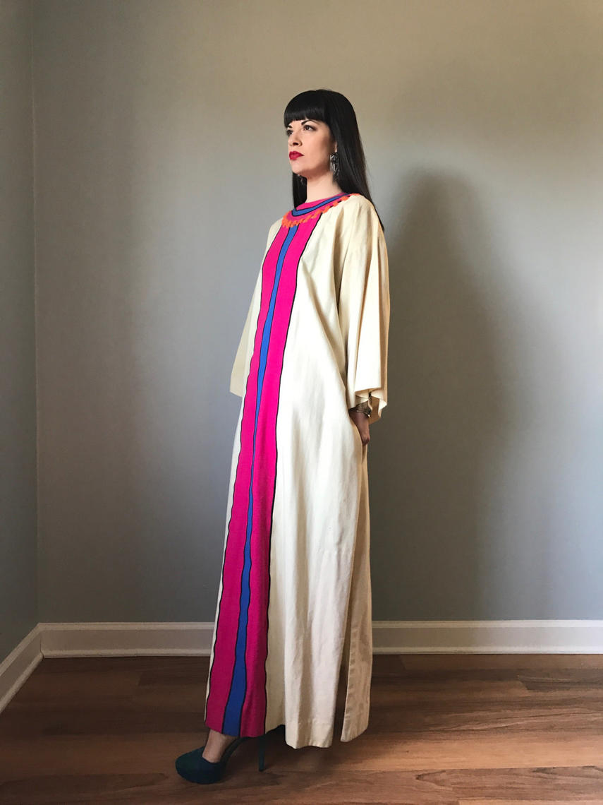 Vintage 70s Handmade Embroidered Mexican Caftan Mexican