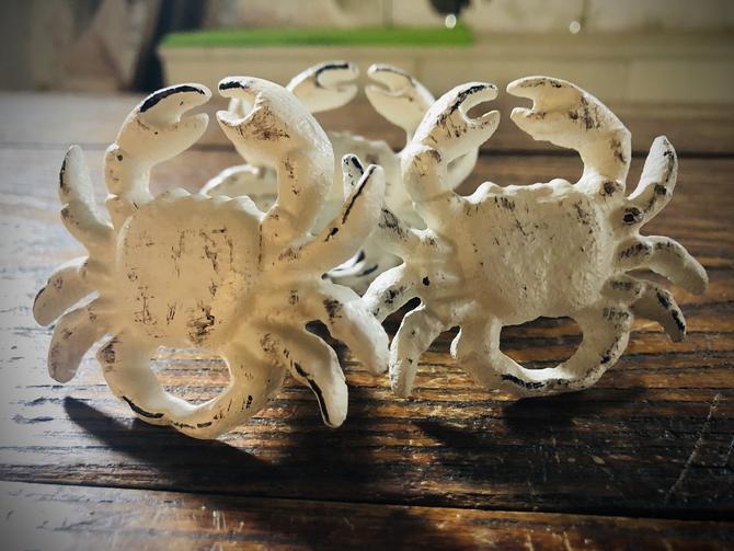 White Crab Knob(s)