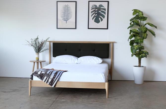 Mid century modern platform bed / upholstered headboard / platform storage bed / platform bed / solid wood bed / wood platform bed oak bed by BeautyBreadWoodshop