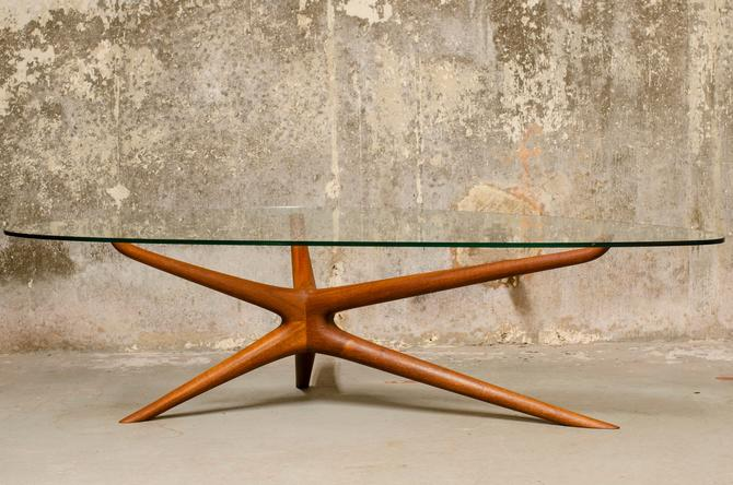 Coffee table in the style of Vladimir Kagan by QueensMCM