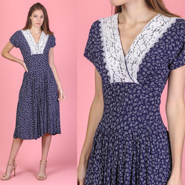 80s Navy Blue Floral Lace Collar Dress - Extra Small | Vintage Grunge Fitted Waist Short Sleeve V Neck Midi by FlyingAppleVintage