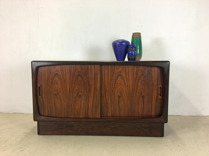 Danish Modern Rosewood Credenza by HP Hansen by retrocraftdesign