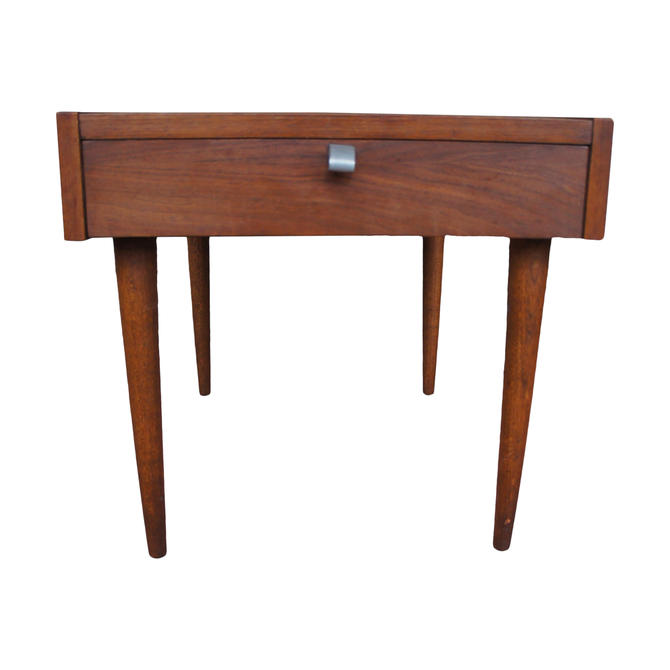 1960s Merton Gershun for American of Martinsville Walnut End Table With Drawer by MetronomeVintage