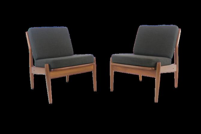 "Pair of Scandinavain Modern ""Easy"" Chairs Designed by Arne Vodder"