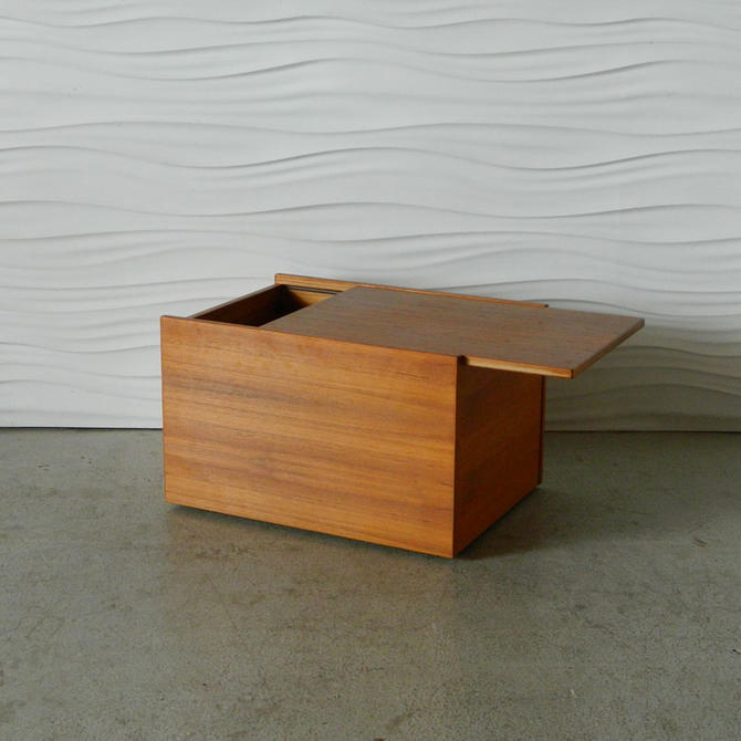 HA-C7943 Teak Storage Chest