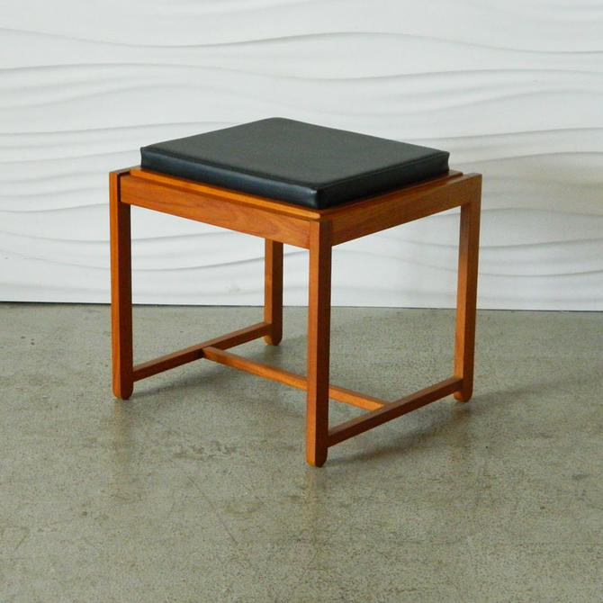 HA-C7946 Teak Fliptop Stool Table