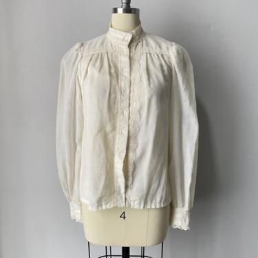 1970s Gunne Sax Blouse Cotton Lace Peasant Top S by dejavintageboutique
