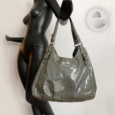 """Coach """"Maggie"""" Gray Patent Leather Handbag • Grey Genuine Leather Double Strap Hobo Purse Tote • Key Tab Fob •Excellent Condition by elliemayhems"""
