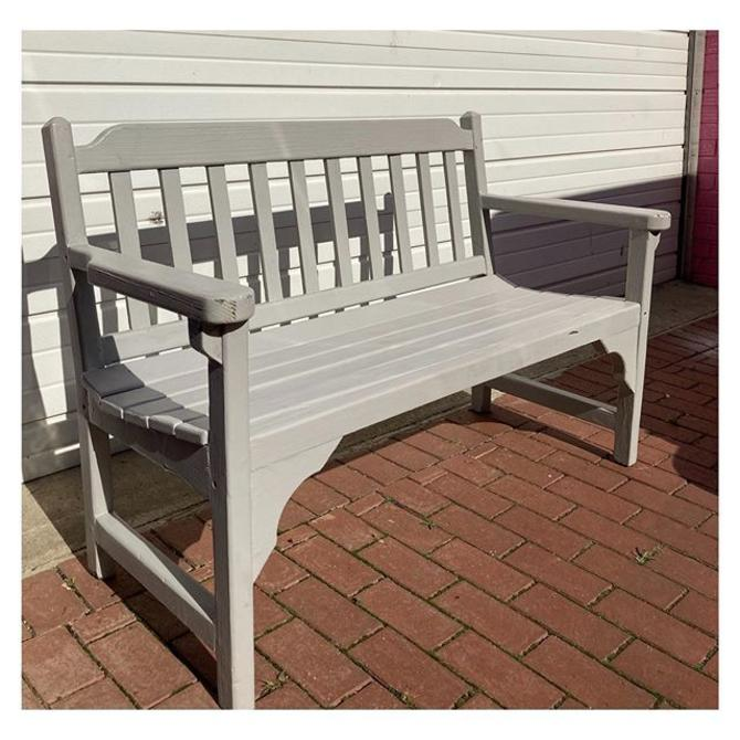 """Gray renaissance wood slatted back outdoor bench 50"""" wide / 24"""" deep / 33.6"""" height (back) / 17"""" seat"""