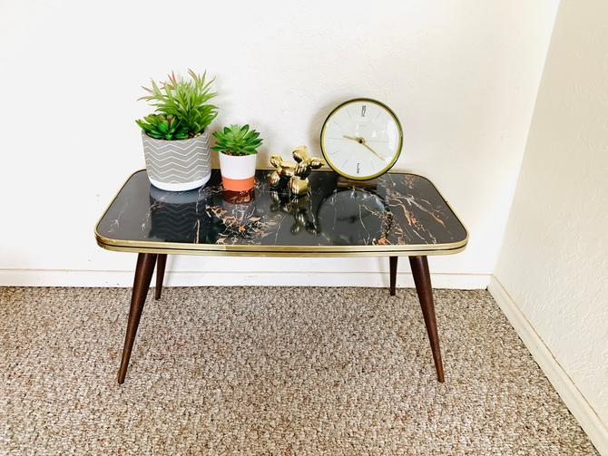 Mid Century Accent Table, 50s Mid Century Table, Formica Side Table, Plant Stand, Vintage Display Table, Formica Table Atomic Space Age by dadacat