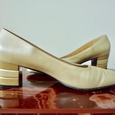 Vintage Ferragamo Shoes Pearl Color Court shoes with Ombre Block Heel by LavenderJosephine