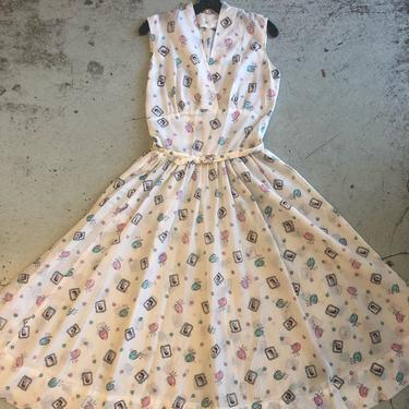 1950s 'Artist' Novelty Print Sheer White Nylon Sleeveless Dress