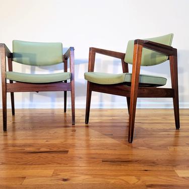 Mid Century Pair of Gunlocke Lounge Chairs by ProRefineFurnishings