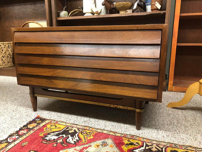 American of Martinsville 2 Drawer Dresser or a Coffee Table by BigWhaleConsignment