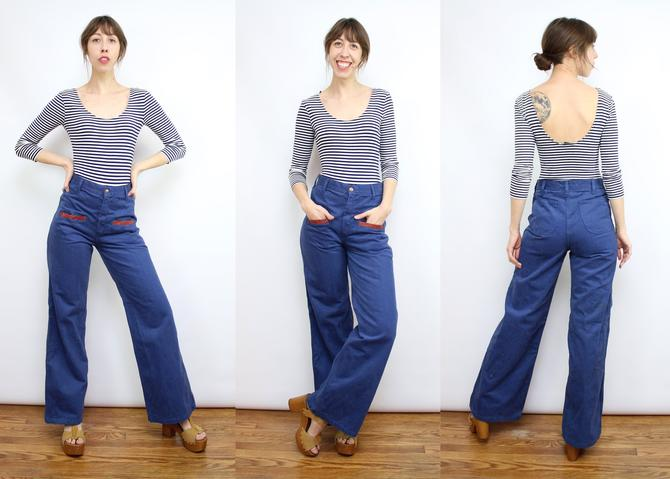 "Vintage 70's High Waisted Wide Leg Blue Denim Jeans / 1970's Sailor Jeans with Pockets / Soft Denim Pants / Women's Size Medium / 28"" Waist by RubyThreadsVintage"