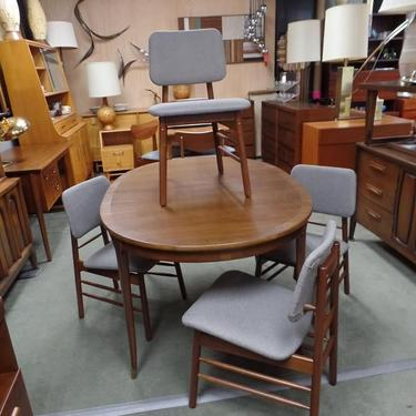 Set of four Mid-Century Modern dining chairs by Greta Grossman for Glenn of California