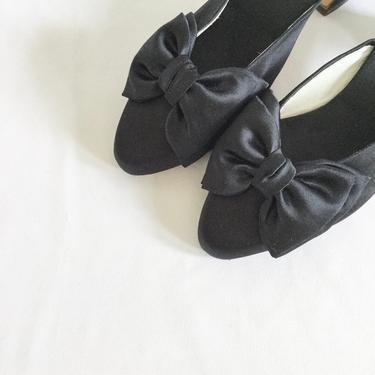 Vintage 80s satin slides | Vintage black satin bow slip on shoes | 1980s Hanro slip on kitten heel boudoir slippers by BeeandMason