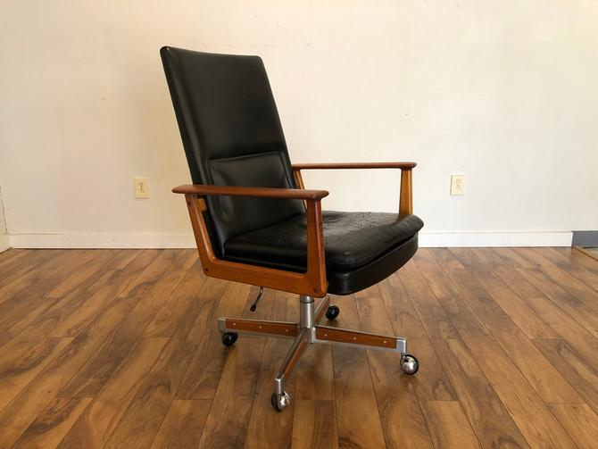 Arne Vodder Teak Executive Chair by Vintagefurnitureetc