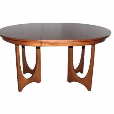 Mid-Century Modern Broyhill Brasilia 6140-1645 Round Pedestal Base Dining Table With 1 Extension by VivaLaVintagedotTX