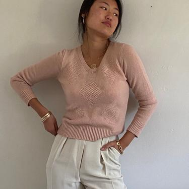 90s Les Copains cashmere sweater / vintage blush pink cashmere ribbed knit V neck cropped basket cable design Italian sweater   S by RecapVintageStudio
