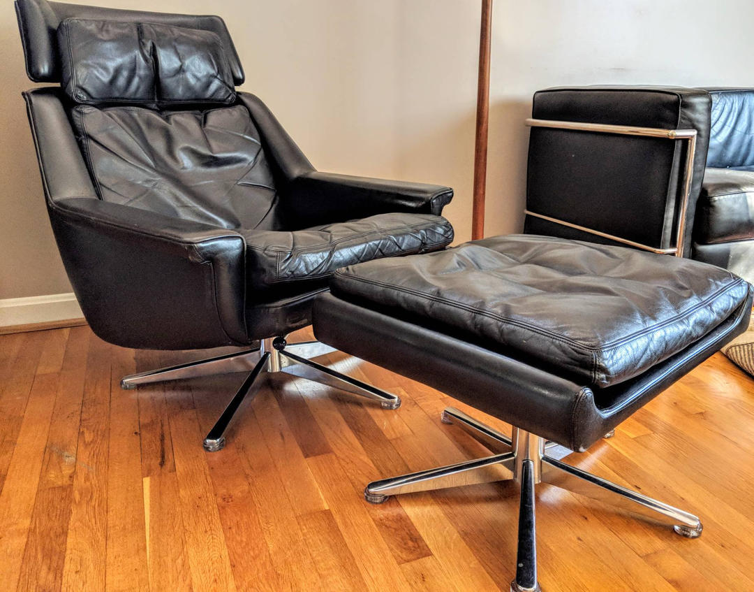 Black Danish Leather Swivel Lounge Chair And Ottoman By