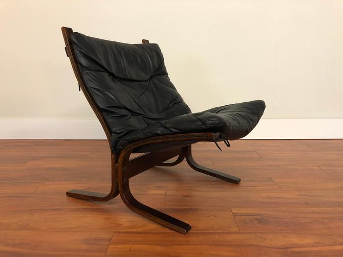 Ingmar Relling for Westnofa Siesta Low Back Leather Lounge Chair - Made in Norway by Vintagefurnitureetc