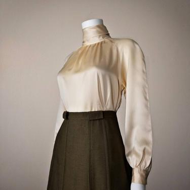 Vintage Apricot Silk Charmeuse Blouse, Small / High Neck Silk Blouse / 80s Long Raglan Sleeve Blouse / Silky Cocktail Blouse / Mockneck Top by SoughtClothier