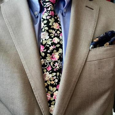 Black Floral Skinny Tie Boyfriend Gift Men's Gift Anniversary Gift for Men Husband Gift Wedding Gift For Him Groomsmen Gift for Friend Gift by LookGreatWL