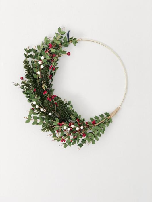 Christmas Greenery Wreath with red and white berries, Minimalist Holiday Wreath, Modern Christmas Wreath, by NovaWreaths