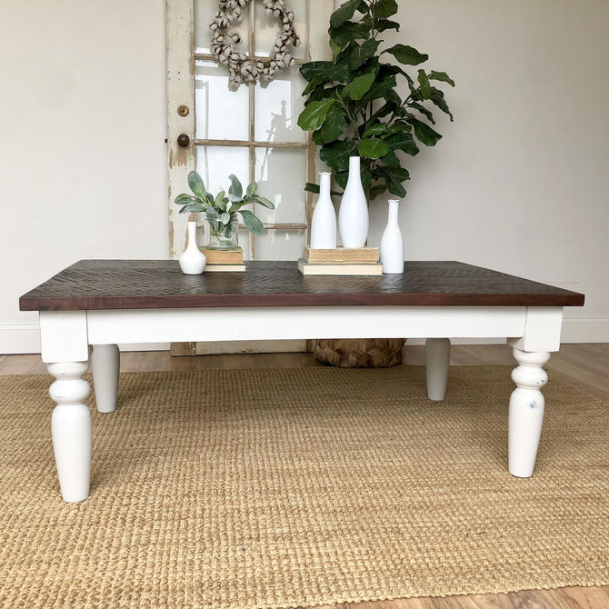 White Farmhouse Coffee Table - Rustic Distressed Wooden Furniture - Living  Room Table by VintageHipDecor