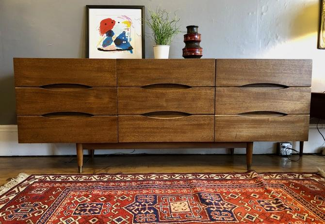 Mid Century 9 Drawer Mahogany Dresser by American of Martinsville