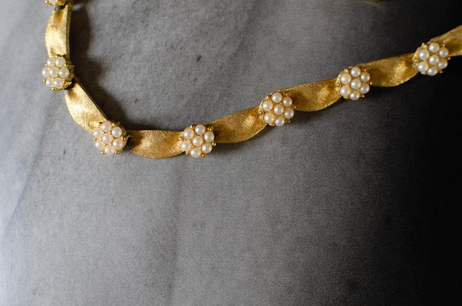Vintage Trifari Brushed Gold Tone Faux Pearl Flower Choker Necklace by HouseofSeance