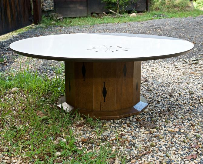 1960s Round Pedestal Coffee Table in the Kipp Stewart / Drexel Style Vintage Mid-Century Modern Cabinmodern Retro by BrainWashington