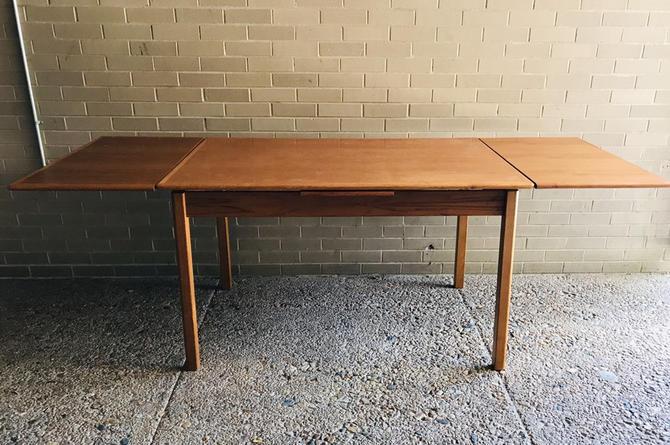 Scandinavian Modern Danish Extendable Dining table by UrbanInteriorsBalt
