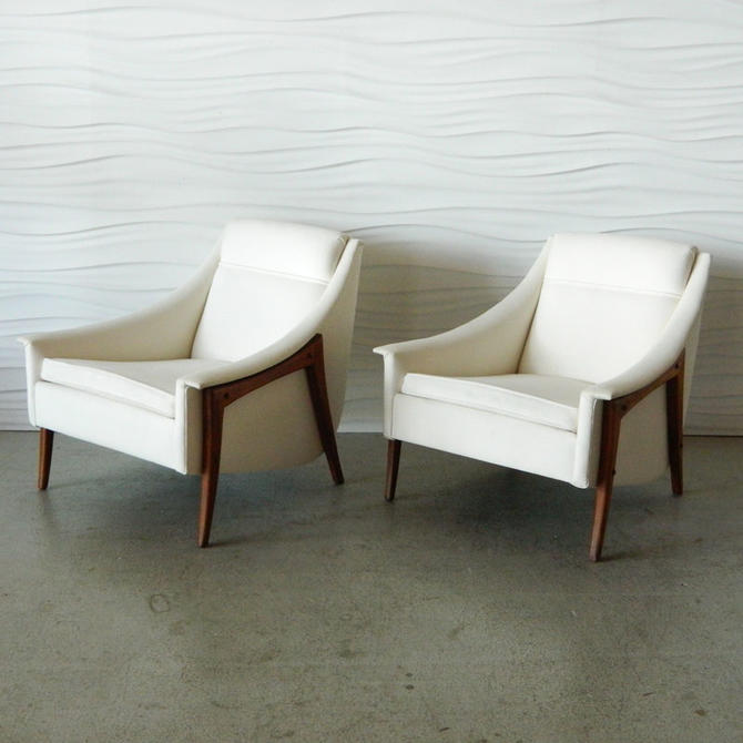 HA-C7991 Pair of American Modern Vintage Loungers