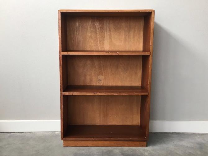 vintage mid century modern 3 shelf bookcase.