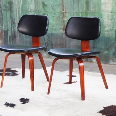 PAIR of ICONIC Mid Century Modern Black + Walnut Bentwood Designer Dining Accent Side Chairs by Thonet after Charles Eames DCW Danish Modern by CatchMyDriftVintage