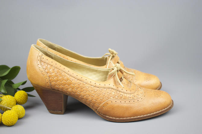 929de57283b2a Vintage 70's Brown Leather Wooden Heel Oxfords / 1970's Lace Up Oxford  Heels / Shoes / Fall Oxfords Women's US Size 7/7.5 by RubyThreadsVintage