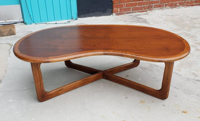 Lane Perception Mid-century Modern Coffee Table