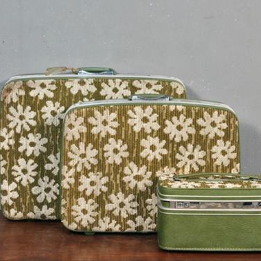 Set of 3 Samsonite Groovy Green Suitcases