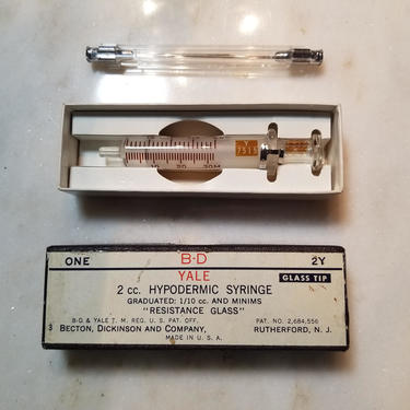 Vintage Yale Becton, Dickinson and Company 2 cc. Glass Hypodermic Syringe No. 2Y in Original Box by MemoryHoleVintage